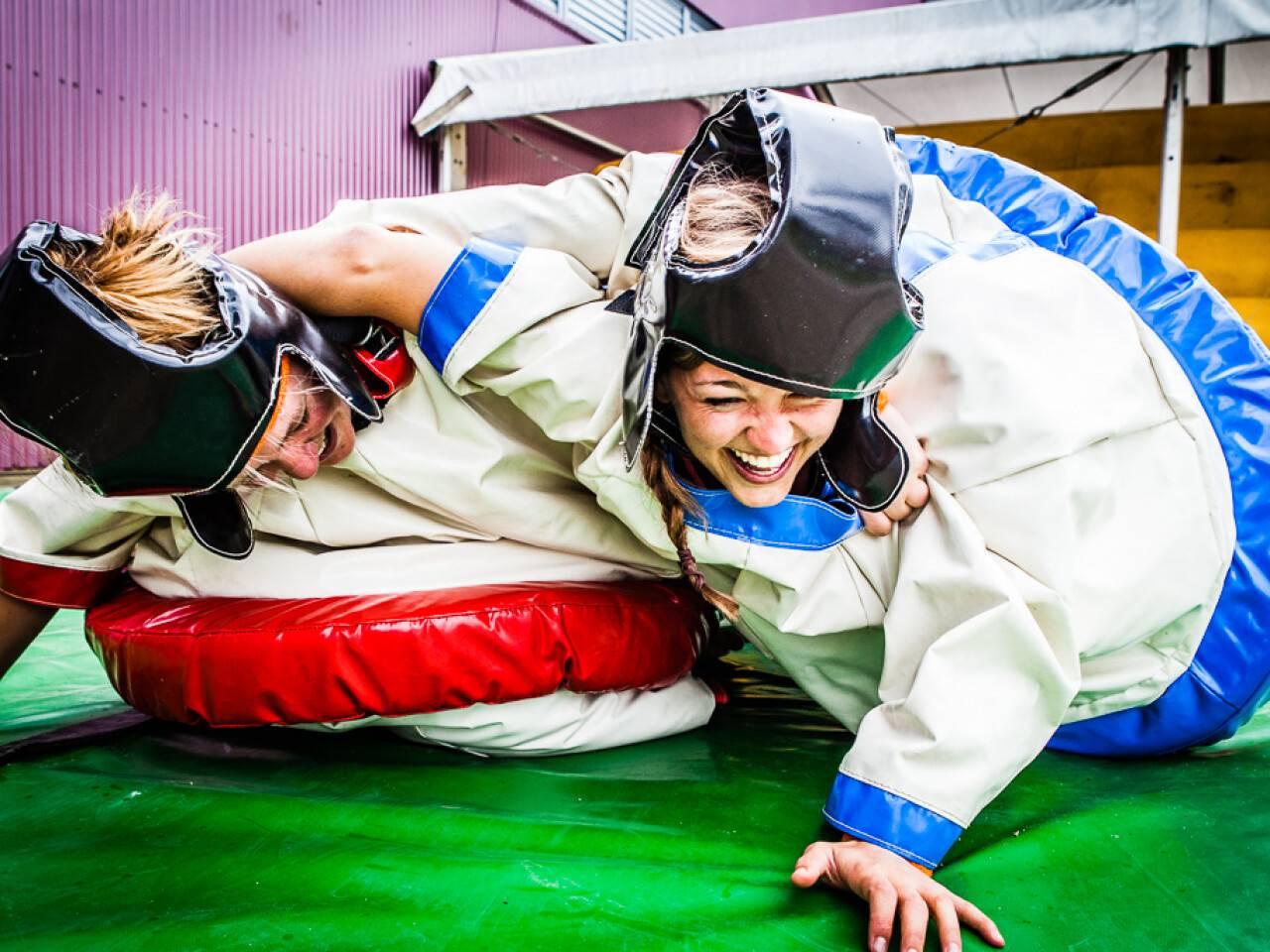 Babyfoot humain et Combat sumo n'est actuellement pas réservable